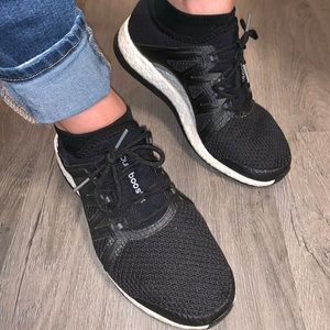 Woman's 9.5 pureboost performance shoes